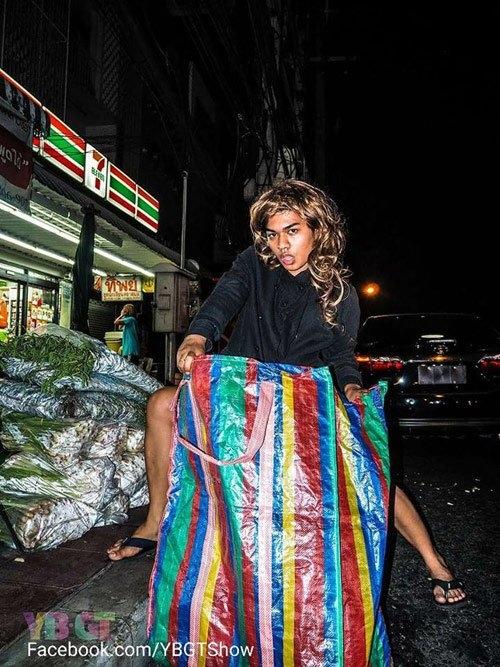 Dân mạng 'bể bụng' xem người Thái so đồ hiệu với hàng chợ