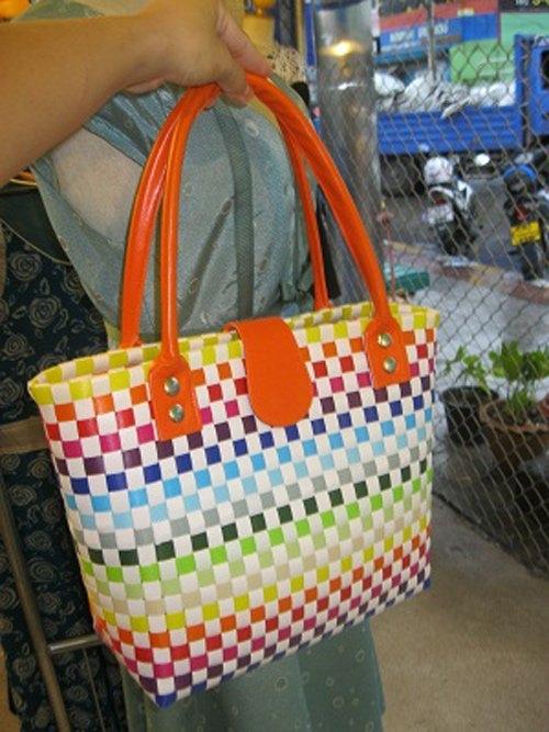 ... và làn đi chợ Thái Lan.