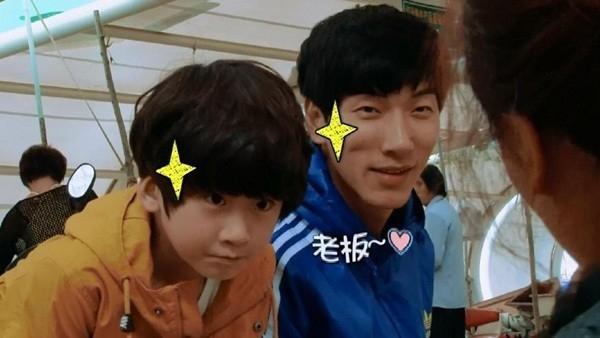 Trương Lượng cùng con trai trong một tập ghi hình. Các show truyền hình có sự tham gia của trẻ em sẽ bị hạn chế tối đa tại Trung Quốc. Không chỉ Bố ơi, mình đi đâu thế, Bố ơi trở lại, loạt show tương tự như Học sinh năm nhất, Mẹ là siêu nhân cũng bị ngừng sản xuất.