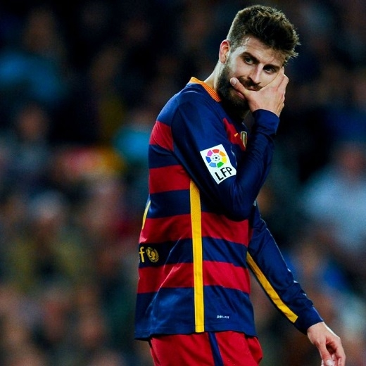 Pique sẽ không thể ra sân trong trận gặp Deportivo La Coruna. (Ảnh: ESPN)