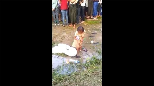 Nhói lòng với góc khuất đằng sau lễ hội té nước