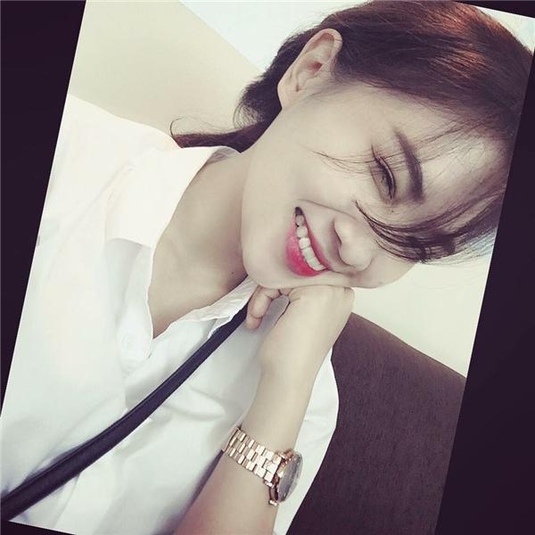 Phương Anhsở hữu nụ cười tỏa nắng khiến không ít người phải ngơ ngẩn. (Ảnh: Internet)