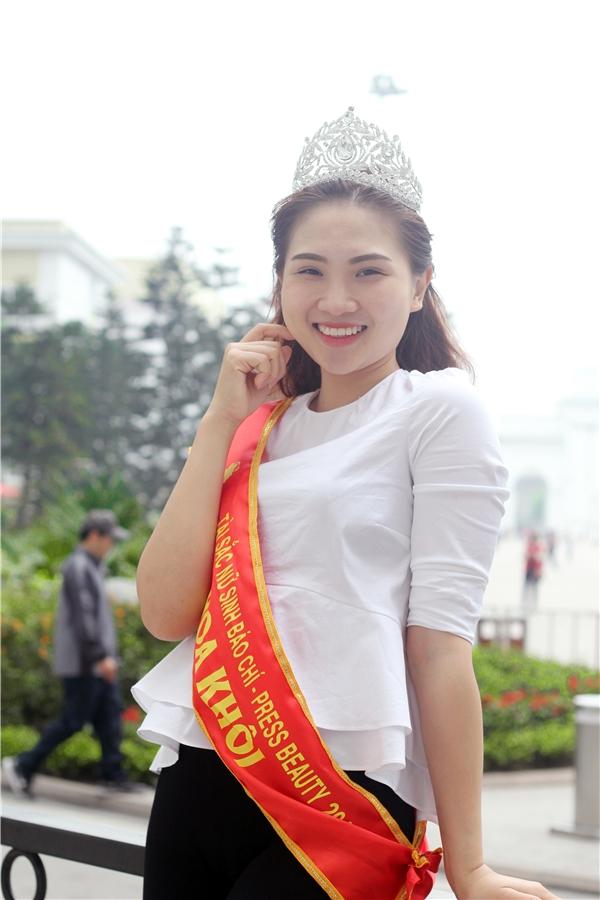 Mới đây cô đã trở thành Hoa khôi của cuộc thi Press beauty 2016 do Học viện Báo chí và Tuyên truyền tổ chức. (Ảnh: Internet)