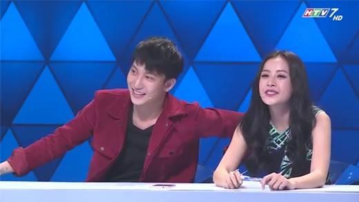 """Chi Pu """"đỏ mặt"""" khi Trấn Thành nhắc đến Gil Lê trên sóng truyền hình"""