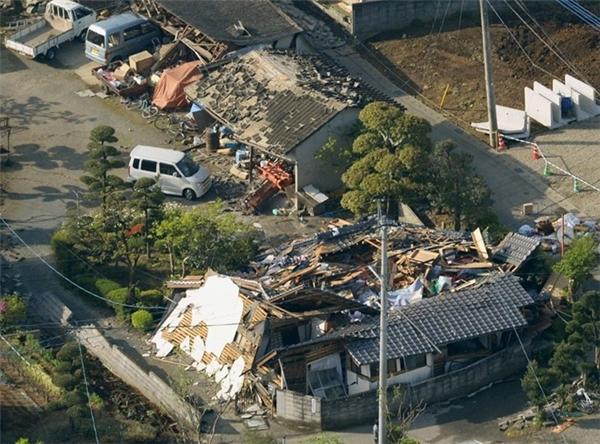 Hiện trường ngổn ngangsau động đất ở tỉnh Kumamoto, Nhật Bản. Ảnh:Reuters