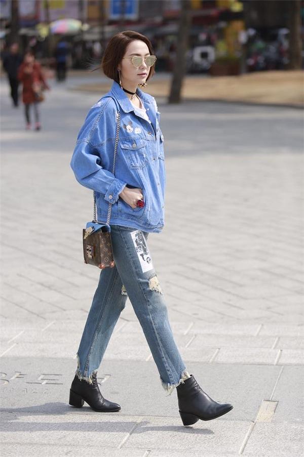 Thậm chí, denim còn được các tín đồ thời trang hàng đầu tại Việt Nam và thế giới mang lên thảm đỏ.