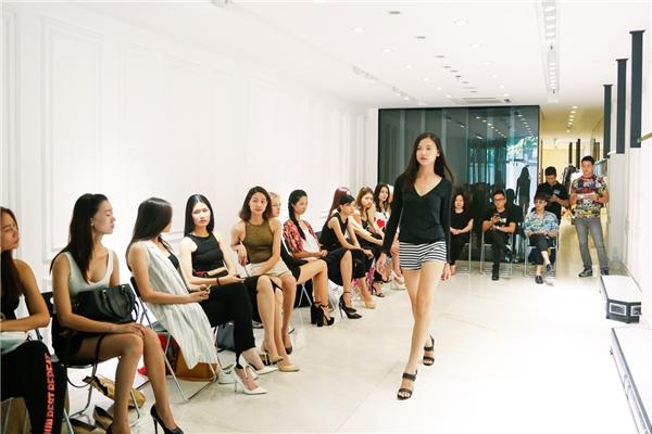 """Người mẫu """"trầy trật"""" casting cho show diễn của Nguyễn Công Trí"""