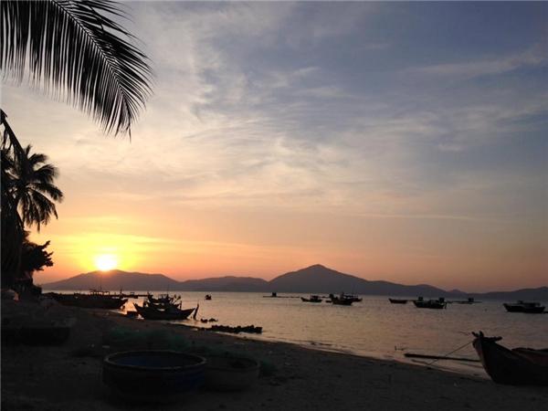 Một buổi hoàng hôn trên bờ biển Điệp Sơn. (Ảnh: Thùy Linh)