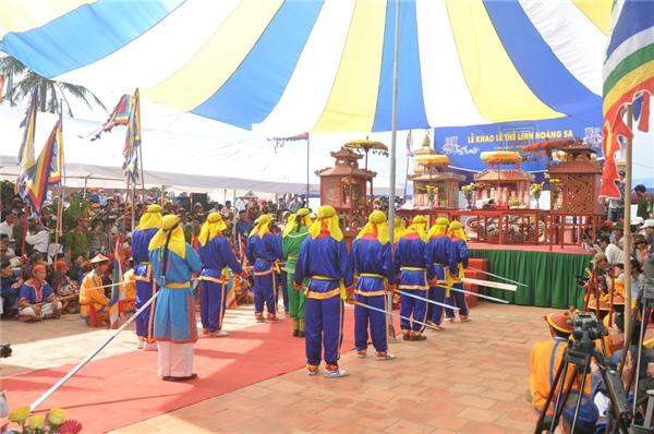 Quang cảnh buổi lễ khao thề lính Hoàng Sa được tổ chức hàng năm. (Ảnh: Internet)