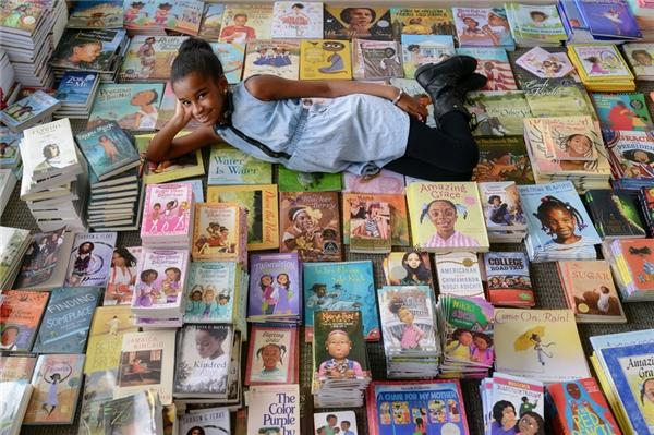Đến nay, Marley đang dần tiến gần hơn đến mục tiêu cuối cùng của dự án #1000blackgirlbooks. (Ảnh: Internet)
