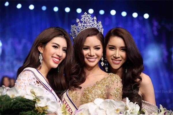 Và đây là đương kim Hoa hậu Hoàn vũ Chuyển giới Thái Lan.