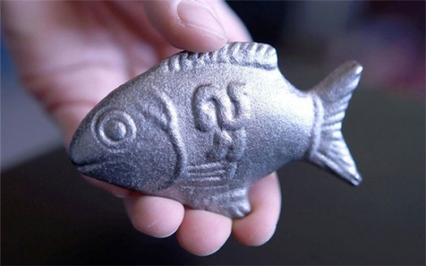 Đó là lúc bác sĩ Charles nảy ra ý tưởng về một con cá bằng sắt có thể cung cấp 75% lượng sắt tiêu chuẩn hàng ngày cho người lớn và nó có thể trở thành phương thuốc hiệu nghiệm chữa khỏi chứng bệnh thiếu máu cho người dân trên khắp thế giới.