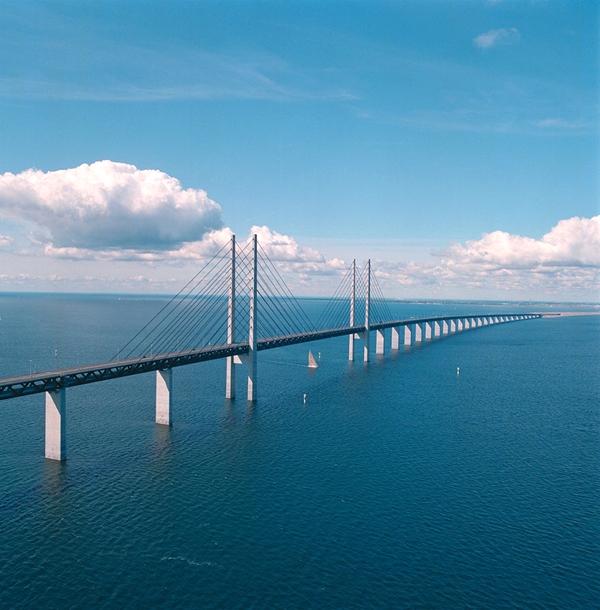 Cầu Oresund là khâu giao thông quan trọng nối liền Thụy Điển và Đan Mạch.(Ảnh: Internet)