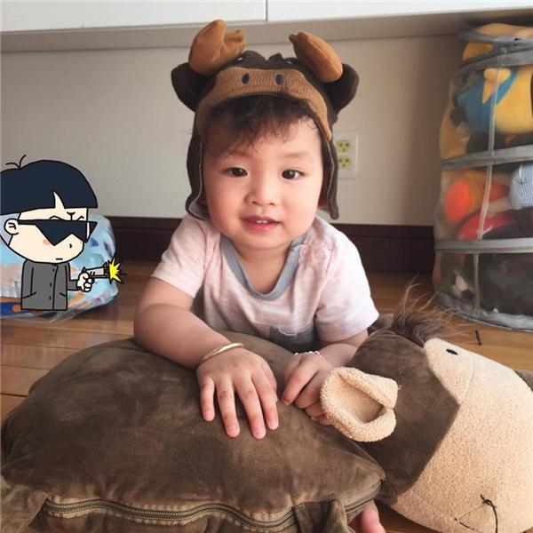 Hoa hậu Diễm Hương khiến các fan thích thú khi khoe ảnh con trai Noah trên trang cá nhân. - Tin sao Viet - Tin tuc sao Viet - Scandal sao Viet - Tin tuc cua Sao - Tin cua Sao