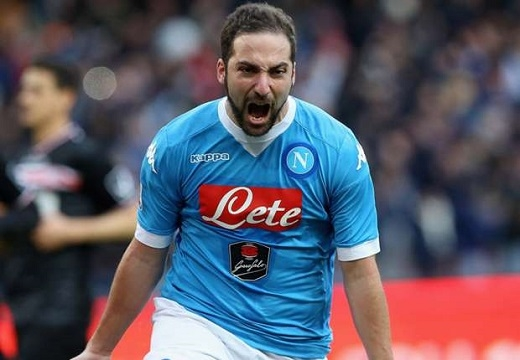 Gonzalo Higuain có một mùa giải bùng nổ cùng Napoli. Ảnh: Internet.