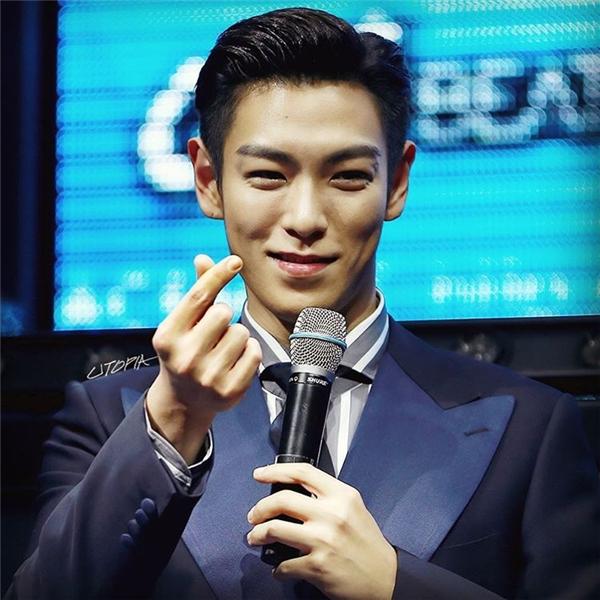 Với mong muốn thống lĩnh ngành giải trí xứ Hàn, Choi Seung Hyun đã chọn nghệ danh T.O.P để hoạt động nghệ thuật. Tên Hán Việt của anh là Thôi Thắng Hiền.