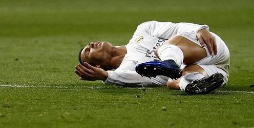 Ronaldo dính chấn thương trong trận gặp Villarreal.