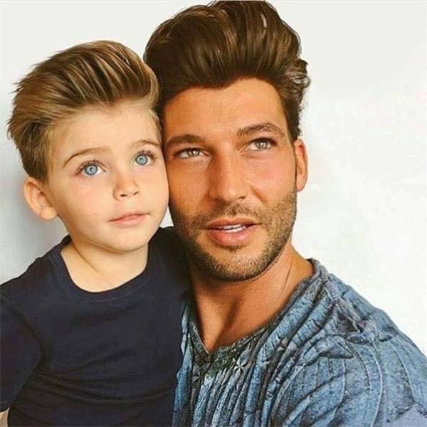 Kiểu tóc sành điệu dành cho cả bố lẫn con khiến cư dân mạng phát cuồng.