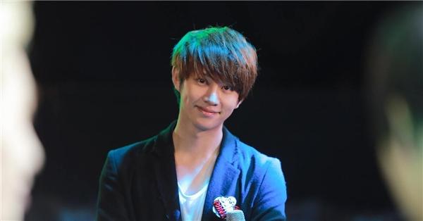 """Vẻ ngoài """"xinh hơn hoa"""" của Heechul (Super Junior) (sinh năm 1983)chính là nguyên nhân khiến nhiều người """"ngã ngửa"""" khi biết năm nay anh đã chính thức bước sang tuổi 33"""