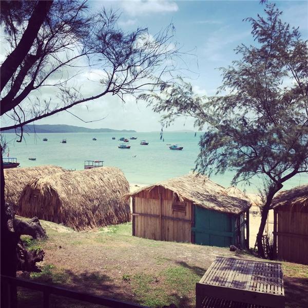 Khu nhà gỗ ngay sát bờ biển được nhiều bạn trẻ yêu thích và lựa chọn.(Ảnh: Internet)