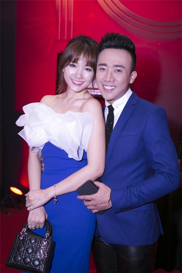 Kể từ khi chính thức công khai mối quan hệ, chuyện tình của Hari Won và Trấn Thành đã thu hút sự quan tâm, chú ý từ phía khán giả. - Tin sao Viet - Tin tuc sao Viet - Scandal sao Viet - Tin tuc cua Sao - Tin cua Sao