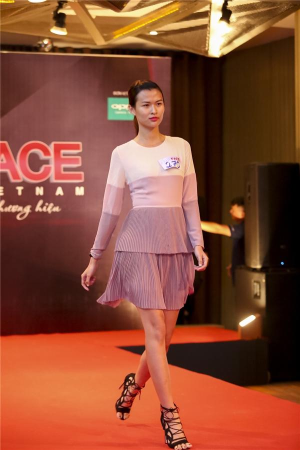 Người mẫu Cao Thiên Trang