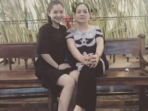 Kiều Oanh đã cho thấy bản lĩnh tuyệt vời của người con gái gốc Huế khi giờ đây, cô đang là điểm tựa bình yên cho mẹ của Duy Nhân. - Tin sao Viet - Tin tuc sao Viet - Scandal sao Viet - Tin tuc cua Sao - Tin cua Sao