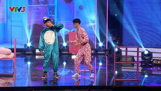 Doraemon và Nobita phiên bản Việt gây náo loạn sân khấu