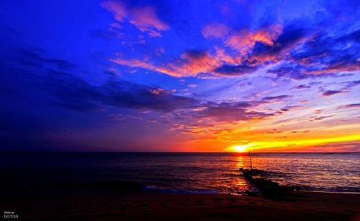 """Tận mắt chiêm ngưỡngkhoảnh khắc mặt trời """"e ấp"""" ló dạng từ đằng đông ở bãi biển Nhật Lệ cũnglà một trải nghiệm tuyệt vời dành cho bạn. (Ảnh: Internet)"""