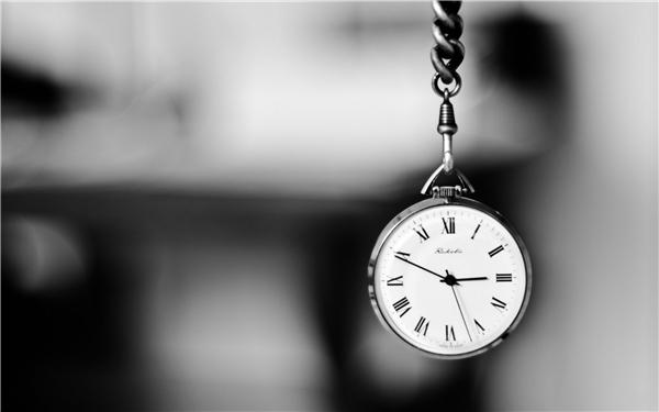 Điều khó bắt kịp và cũng mang lại nhiều bất ngờ nhất chính là thời gian. (Ảnh: Internet)