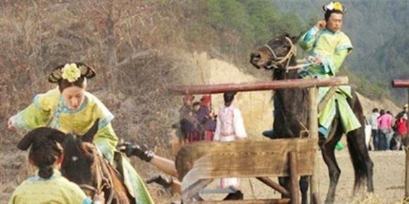 Mĩnhân Hong Kong Lưu Tâm Du cũng phải nhờ đến cascadeur nam trong Bộ Bộ Kinh Tâm để giúp cô thực hiện những cảnh biểu diễn trên lưng ngựa đầy nguy hiểm.