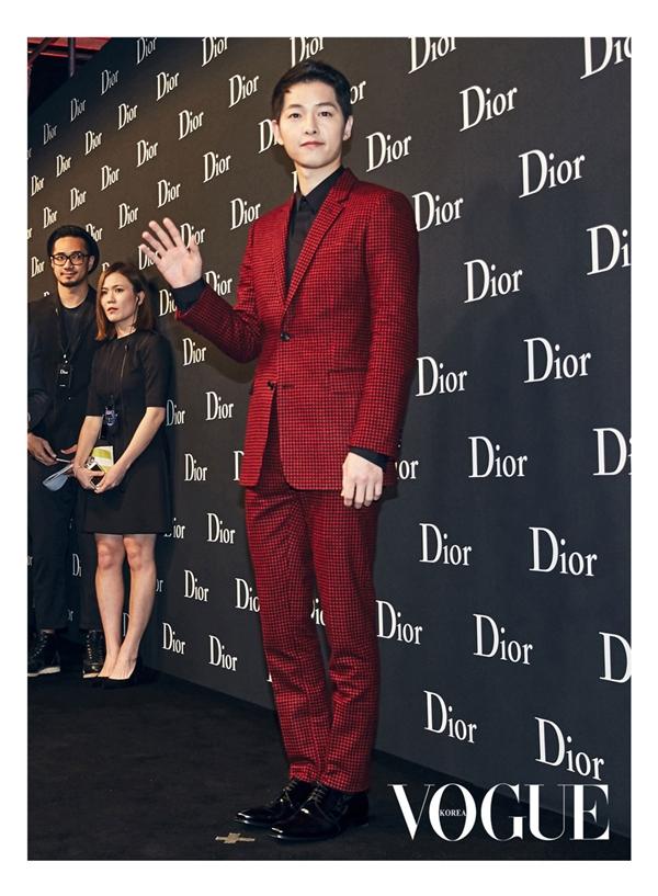 Song Joong Ki và những cách diện đồ khiến triệu cô gái đổ gục