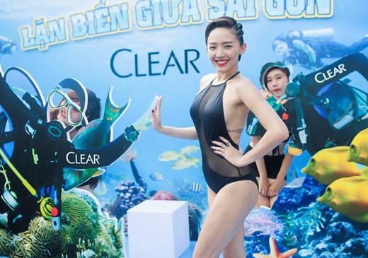 """Tóc Tiên xuất hiện trong bộ bikini hút mắt"""" với vẻ quyến rũ đúng """"chuẩn"""" tại lễ hội lặn biển và trượt nước Clear City Driving. (Ảnh: Internet) - Tin sao Viet - Tin tuc sao Viet - Scandal sao Viet - Tin tuc cua Sao - Tin cua Sao"""