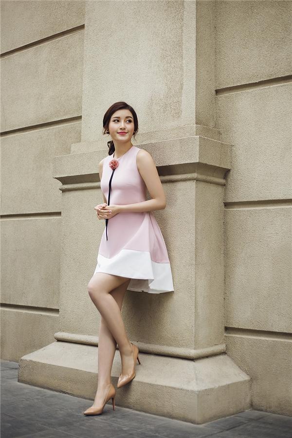 Dáng váy này phù hợp với mọi sắc vóc và sẽ giúp các cô gái dễ dàng tham gia các hoạt động vui chơi tinh nghịch trong hè.