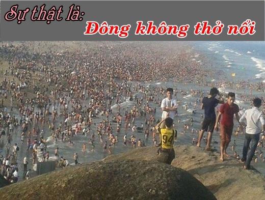 Nỗi đắng cay khi tới những điểm du lịch. Người đông tới không tưởng.Người người đều lựa chọn tới các điểm du lịch lí tưởng như đi biển, tới những vùng mát mẻ như Đà Lạt, Nha Trang, Phú Quốc…nên việc đi tới đâu cũng toàn người là người cũng không quá khó hiểu.