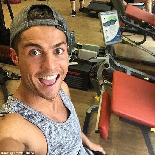 Ronaldo khoe tấm ảnh đang tập luyện. Có khả năng anh sẽ kịp trở lại vào tuần sau.