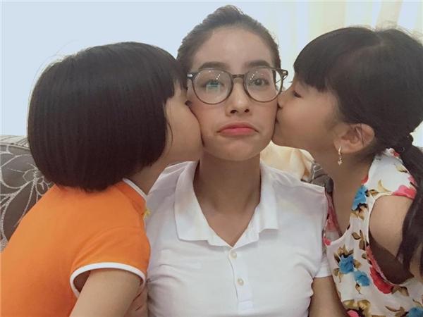 Hoa hậu Phạm Hương bất ngờ nhập viện - Tin sao Viet - Tin tuc sao Viet - Scandal sao Viet - Tin tuc cua Sao - Tin cua Sao