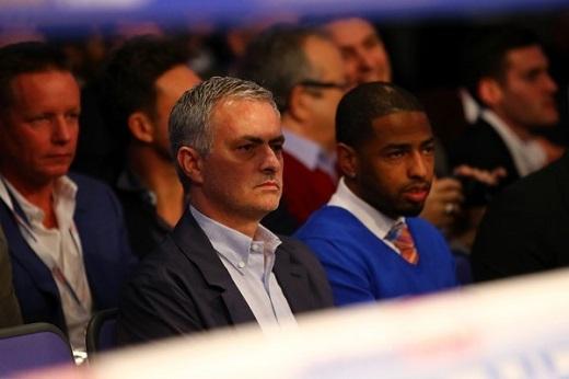 Mourinho sẽ trở thành HLV của MU trong 48 giờ tới.