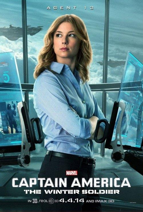 Tại phần 3 của Captain America xuất hiện thêm một mỹ nhân mới. Đó là điệp viên Sharon Carter do nữ diễn viên Emily VanCamp thủ vai.