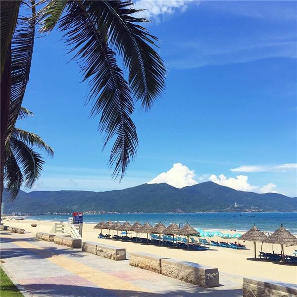 Biển Mỹ Khê, Đà Nẵng(Ảnh: Instagram @ninzeey)