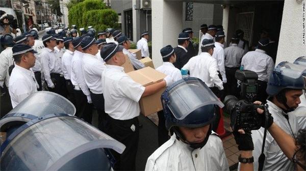 Cảnh sát truy quét băng nhóm Yamaken tháng 9.2015.