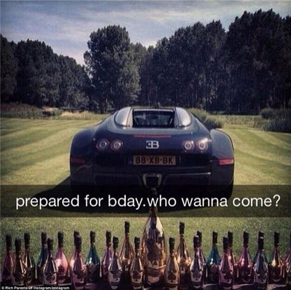 """Sinh nhật lần thứ 50 đình đám của một vị phụ huynh giàu có vớichiếc Bugatti cực """"ngầu"""" đỗ trên bãi cỏ được cắt tỉa cẩn thận, cạnh đó là một dàn rượu đắt tiền.(Ảnh: Rich Parents of Instagram)"""
