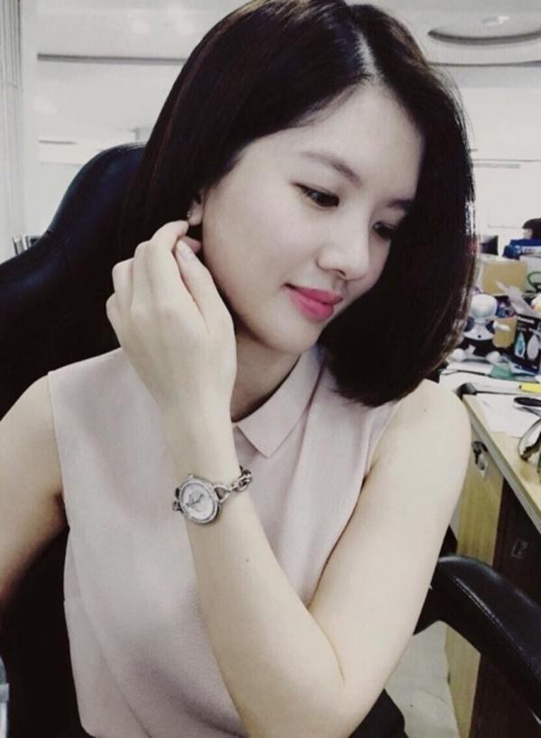 Con gái Chí Trung nổi tiếng về học thức vànụ cười duyênbởi côsở hữu nhiều nét đẹptừ mẹ. - Tin sao Viet - Tin tuc sao Viet - Scandal sao Viet - Tin tuc cua Sao - Tin cua Sao