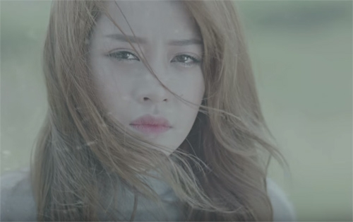 """Một hot girl xinh xắn có thể ngay lập tức nhận """"vai chính""""trong một MV ca nhạc hoặc đơn giản hơn là xuất hiện trong vai trò diễn quần chúng hoặc phụ đạo cũng đủ làm nổi bật cho MV đó rồi. (Ảnh: Internet)"""