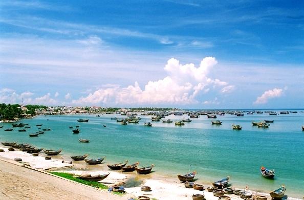 Việt Nam đâu thiếu những bãi biển đẹp mê li? (Ảnh: Internet)
