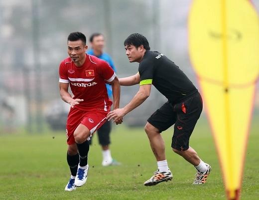 HLV Hữu Thắng muốn tăng cường sức mạnh của ĐT Việt Nam với các cầu thủ nhập tịch