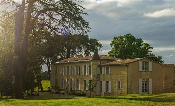 Dinh thự trong trang trại rượu vang Chateau Monlot. (Ảnh: Internet)
