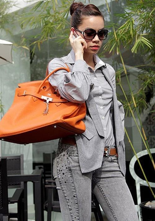 Choáng ngợp với những chiếc túi đáng cả gia tài của sao Việt
