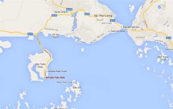 Chiếc tàu bốc cháy sau khi vừa thăm vịnh Hạ Long về và đang neo tại bến. Ảnh:GoogleMaps.