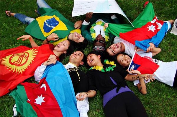 Nhờ những chương trình công dân toàn cầu như thế này, bạn sẽ có thêm được nhiều bạn mới từ mọi quốc gia trên thế giới.(Ảnh minh họa. Nguồn: Internet)